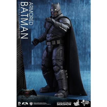 Batman v Superman: Armored Batman 1:6 scale Figure