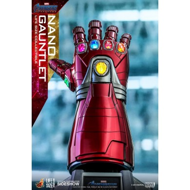 Hot Toys: Avengers Endgame - Nano Gauntlet Life-Size Replica