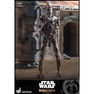 Hot Toys: The Mandalorian - IG-11 1:6 scale Figure