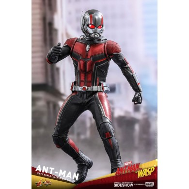 Hot Toys: Ant-Man and The Wasp - Ant-Man 1:6 scale Figure