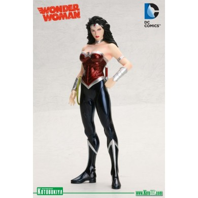 DC Comics: Wonder Woman The New 52 ARTFX+ Statue